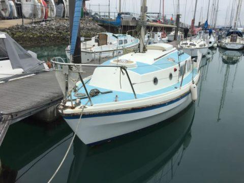 Yacht Recycling - Yacht alongside ready