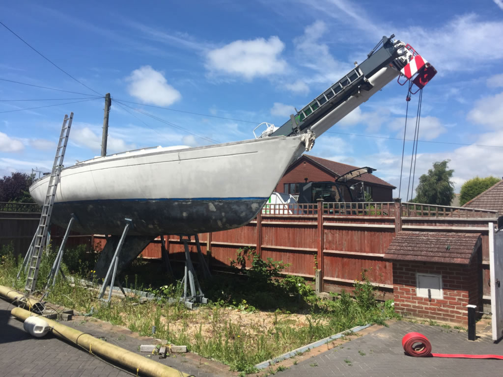 Boatbreakers News - 37ft Scrap Yacht Removal
