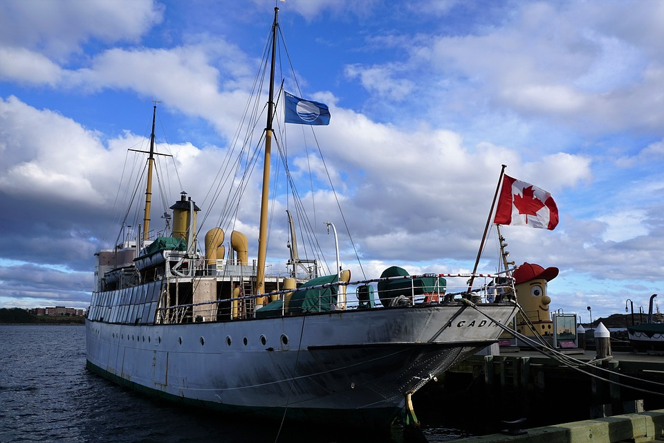 Boatbreakers News - Canadian's Abandoned Boat Program