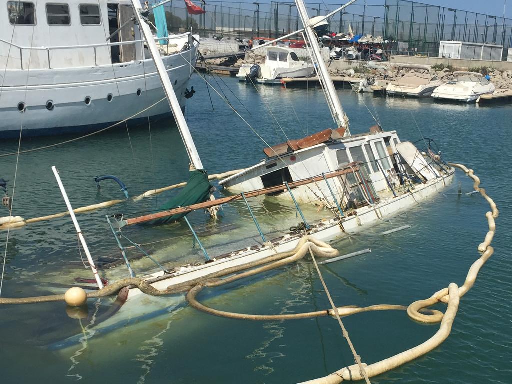 Scrap a Boat - A Sunken Boat