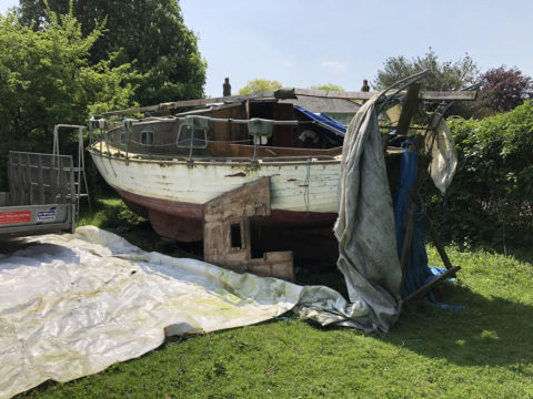 The Only Way is Essex: Scrap Yacht in an Orchard - Setting up ready to scrap