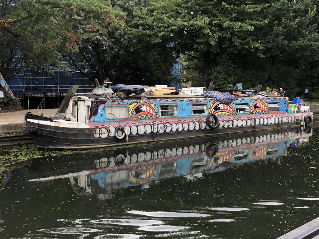 Scrap a Narrowboat - An Example of a Narrowboat