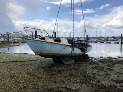 Abandoned Yacht Collection Saga - Burnt Yacht ready to be lifted.