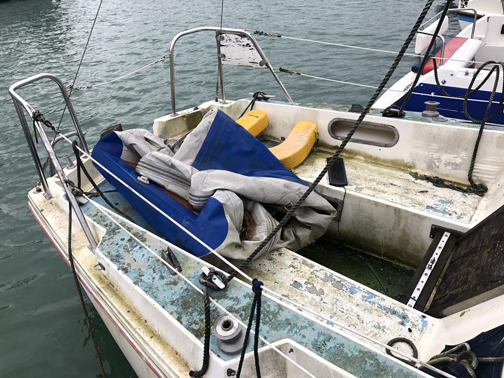 boat disposal jaguar 25 yacht rear