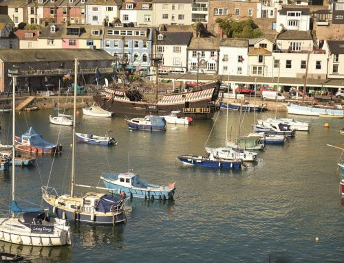 Abandoned 70ft Schooner Sinks in Brixham Harbour